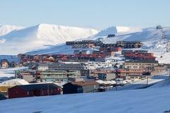 Horizon de ville dans Longyearbyen, le Spitzberg (le Svalbard) norway Photographie stock libre de droits