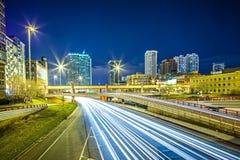 Horizon de ville de Chicago l'Illinois du centre la nuit Photo libre de droits