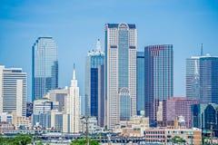 Horizon de ville de Dallas le Texas à la journée photographie stock libre de droits