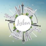Horizon de ville de Lisbonne avec l'espace de Gray Buildings et de copie Image libre de droits