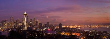 Horizon de ville de Seattle Photographie stock libre de droits