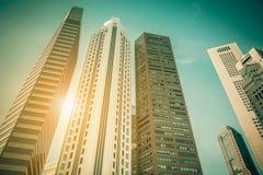 Horizon de ville de Singapour de district des affaires du centre pendant la journée Images stock