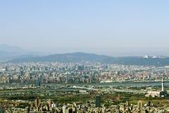 Horizon de ville de Taïpeh photographie stock libre de droits