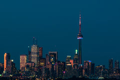 Horizon de ville de Toronto en soirée Image libre de droits