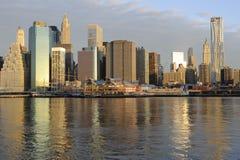 Horizon du centre de Manhattan Photo libre de droits