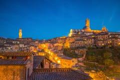 Horizon du centre de Sienne en Italie images stock
