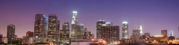 Horizon du centre de ville de Los Angeles la Californie de lever de soleil Images stock