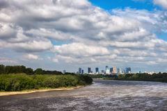 Horizon du fleuve Vistule et de Varsovie Images stock