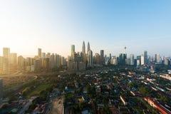 Horizon et gratte-ciel de ville de Kuala Lumpur construisant au centre ville de district des affaires en Kuala Lumpur, Malaisie l photographie stock