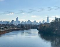 Horizon et rivière de Chicago Photos libres de droits