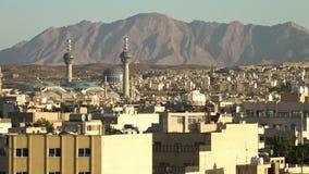 Horizon islamique avec la mosquée et le minaret de mosaïque banque de vidéos