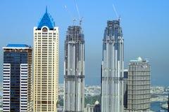 Horizon met wolkenkrabbers in aanbouw stock foto