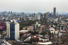 Horizon in Mexico-City, Reforma-satellietbeeld in zonsondergangtijd stock fotografie