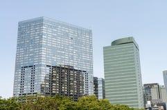 Horizon moderne de ville de niveau de rue Affaires et technologie c photos libres de droits