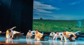 Horizon-Mongoolse Dans van etnische volksdans Stock Afbeeldingen
