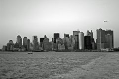 Horizon noir et blanc de NYC Photos stock