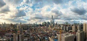 Horizon nuageux pendant le jour d'ouragan, Changhaï images libres de droits