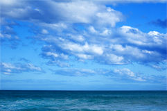 Horizon over the ocean Royalty Free Stock Photo