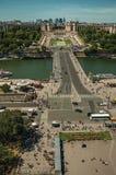 Horizon, Seine, Trocadero et rue avec le ciel bleu, vu de Tour Eiffel à Paris Photo stock