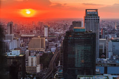 Horizon van Bangkok bij zonsondergang Stock Fotografie