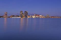 Horizon van de stad van Almere in Nederland Royalty-vrije Stock Foto's
