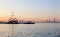 Horizon van Koeweit bij zonsondergang Royalty-vrije Stock Fotografie