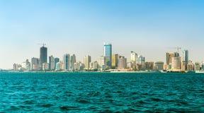 Horizon van Manama van het Perzische Golf Het koninkrijk van Bahrein stock fotografie
