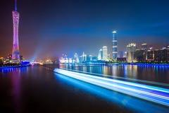 Horizon van stad bij nacht royalty-vrije stock foto's