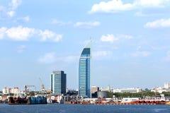 Horizon van Stad van Montevideo, Uruguay Blauwe Hemel met Wolken Stock Fotografie