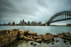 Horizon van Sydney de stad in met Havenbrug, NSW, Australië Royalty-vrije Stock Afbeelding