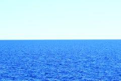 Horizont auf dem Meer Lizenzfreie Stockbilder