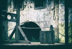 Horizontaal leeg leeg middeleeuws het ontwerpelement van steigergalgen Stock Afbeeldingen