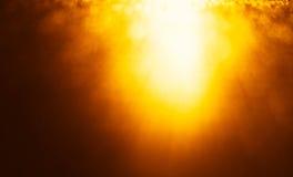 Horizontaal levendig oranje gloed licht lek van bovengenoemde bokehbackgro royalty-vrije stock afbeelding