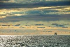Horizontaal zeegezicht Bewolkte hemel Royalty-vrije Stock Afbeeldingen