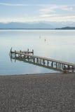 Horizontal alpestre avec le dock Photos stock