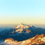 Horizontal alpestre de montagne Photo stock