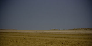 Horizontal aride avec le mirage Photographie stock