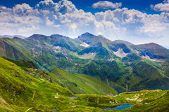 Horizontal avec des montagnes de Fagaras en Roumanie Images libres de droits