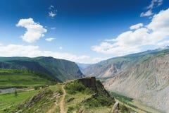 Horizontal avec des montagnes République l'Altay images libres de droits