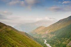 Horizontal avec des montagnes République l'Altay photo libre de droits