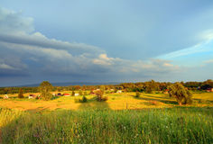 Horizontal avec la vallée de village Images stock