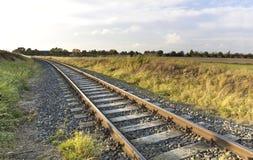 Horizontal avec la vieille voie de chemin de fer Photographie stock