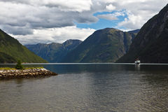 Horizontal avec le fjord Images stock