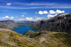 Horizontal calme de lac de montagne Photographie stock