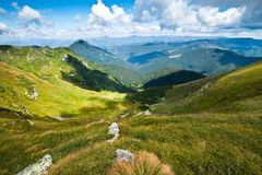 Horizontal carpathien de montagnes en Ukraine Photo stock