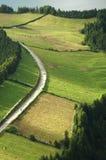 Horizontal d'île des Açores et routes curvy et venteuses Photo stock