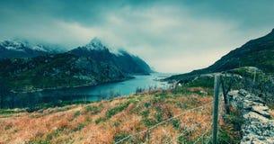 Horizontal dans les montagnes photos stock