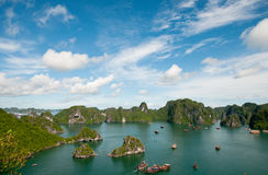 Horizontal de compartiment de Halong, Vietnam Photos stock