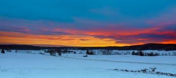 Horizontal de coucher du soleil de l'hiver photographie stock