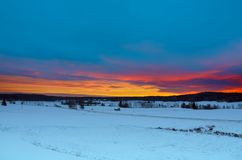 Horizontal de coucher du soleil de l'hiver photographie stock libre de droits